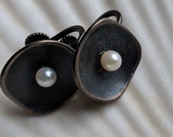 Sterling silver genuine cultured pearl earrings - Southwest vintage jewelry