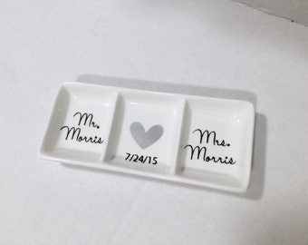 Mr and Mrs Ring Dish, Personalized ring dish, Wedding gift, Ring Dish, Engagement gift, Gift for Couple, Valentines Day Gift