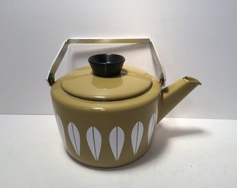 Catherine Holm olive green teapot kettle