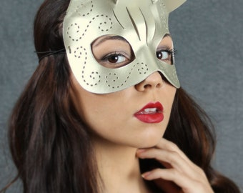 Tatted Kitty mask in white pearlescent