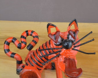 "Sculpture named ""Obssessed cat"""