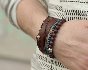 Men's Brown Wood Bracelet, Silver Mens Jewelry, Beaded Mens Bracelet, Glass bead Bracelet, Stretch bracelet, stretch men's bracelet