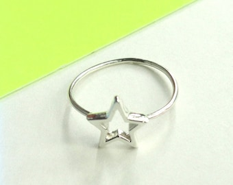 Star mini ring in sterling silver