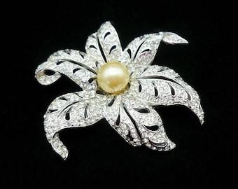 RARE Vintage SIGNED REJA Flower Pearl Brooch, Large Brooches, Reja Brooch, Reja Jewelry, Solomon Finkelstein, Antique Jewelry, 1940s Jewelry