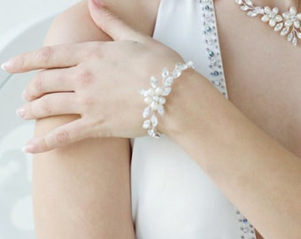 Collette Pearl Bracelet