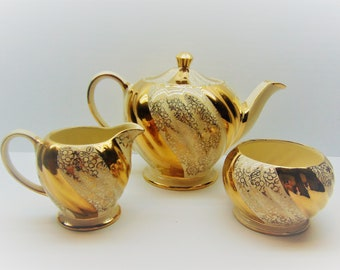 Vintage Sadler Teapot, Cream and Sugar Set