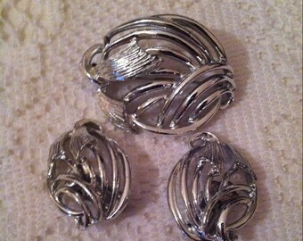 Vintage Claudette Brooch/Earring Set