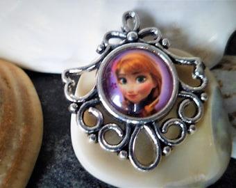 Queen of snow pendants Cabochons 30 mm pendants designs Animes little girl