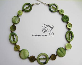 Chain, button chain, necklace with Perlmttscheiben, beads and buttons, buttons, Perlonkette, statement chain