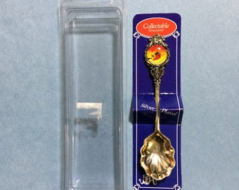 """4 1/2"""" Salem Mass Witch on Broom Black Cat Bat Picture Silver Plated Tarnished New Zealand Spoon"""