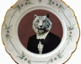 """Timeless Tiger Altered Antique Plate 9.65"""""""