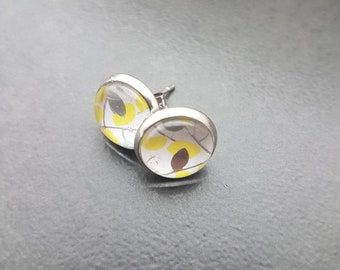 Springy Cabochon Earrings