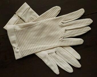 Vintage beige polyester gloves
