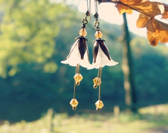 Citrine Earrings - Flower Earrings - Floral Earrings - White Earrings - Brown Earrings - Autumn Earrings - Fall Wedding - Topaz Earrings.