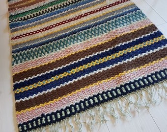 Nordic Handwoven rag rug /carpet, traditional nordic folk craft. Including shipping. Rosengång.
