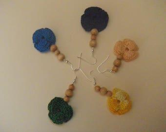 Flower hook earrings and wooden beads
