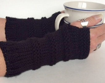 Black Fingerless Gloves, Knit Wristwarmers, Knit Texting Gloves, Black Knit Gloves, Black Wristwarmers, Texting Gloves, Knit Mittens