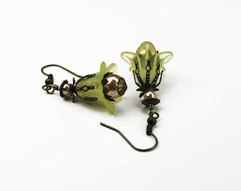 Norwich, Vintage inspiriert Floral Ohrringe, gelbe Lucite & Gold Pearl