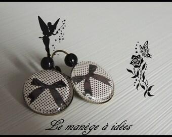 Earrings / Stud Earrings/Cabochon, brass, my pretty bows in black, classic.