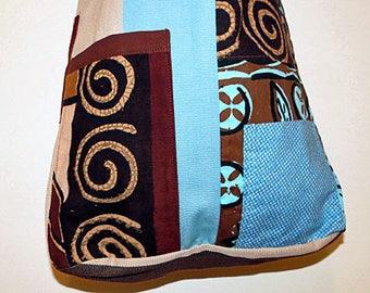 Bag. Shoulder bag with original Fijian and Indian prints. Adjustable cotton bag with 2 external pockets and bright blue lining.
