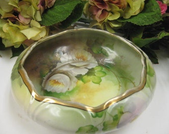 Gorgeous Noritake Japan Nippon Hand-Painted Roses Bowl with Fancy Curved Rim