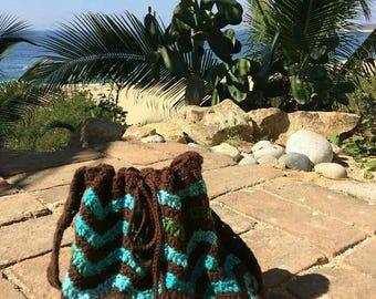 Chevron hobo bag, crochet