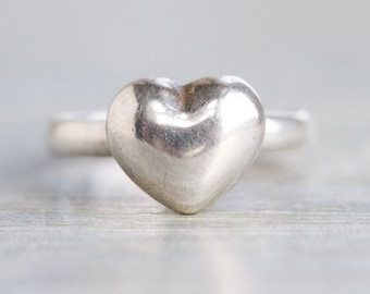 Silver Heart Ring - Sterling Silver Dainty Ring - Size 9