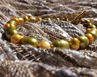 Dyed fresh water pearl bracelet