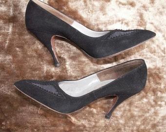 6N 50s 60s Black Pumps Bombshell Wicked Black Suede Kitten Heel Shoes Mad Men