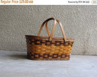 SALE SALE SALE Vintage Picnic Basket Rustic Primitive Wicker Woven Wooden Hinged Lid Wedding Decor Shabby Cottage Chic Farm Homesteading Sto