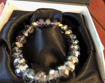 Silver/Gray-Black Crystal, Multi-faceted bracelet