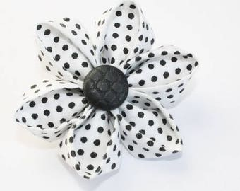 Kit origami brooch in white and black fabric
