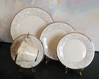 Windsong By Lenox 5 Piece Place Setting 1980s