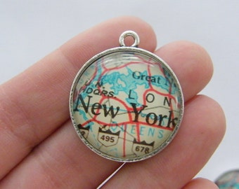 2 New York map charms antique silver tone WT229