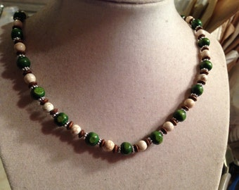 Turquoise Necklace - White, Green & Brown Jewelry - Wood Jewellery - Silver - Fashion - Gemstone - Beaded