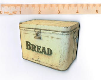 HANDMADE Kitchen Refrigerator Magnet .  Bread Box.