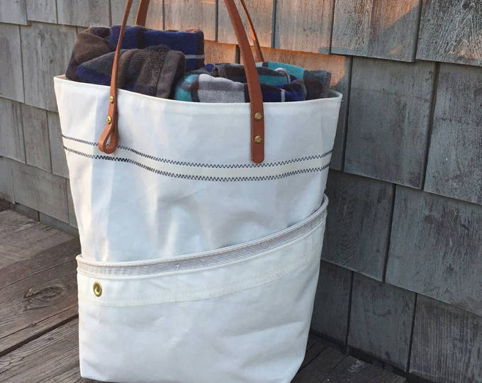 Sail cloth purse, four pocket, harness leather handle,