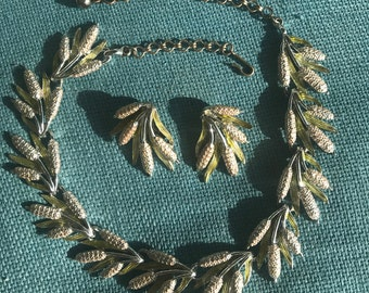 Cattail Necklace and Clip On Earring set - Vintage Demi Parure Enamel - pink and green - adjustable choker - Silvertone ENVIRONMENTAL