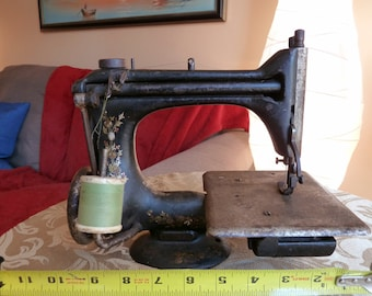 Antique 1906 Singer Sewing Machine