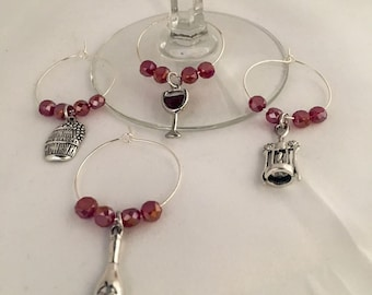 Red wine charms, red beaded wine charms, set of 4 wine charms, red wine accessories, beaded wine charms, wine glass charms