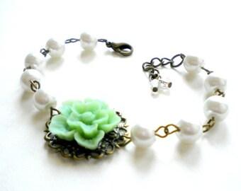 Pearl Bridesmaid Bracelet Flower Bracelet Bridesmaid Jewelry Green Bracelet Flower Wedding Jewelry Maid Of Honor Gift Summer Garden Wedding