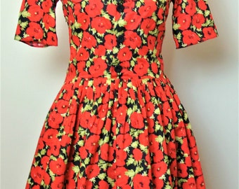 1950s poppy print shirt dress with full skirt and black contrast