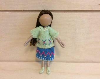 Maddy - Multicultural - Dollhouse doll - Miniature doll - Bendy doll - Faceless doll - Waldorf doll - Montessori