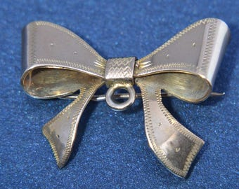 9ct Rose Gold 1950's Bow Brooch (490r)