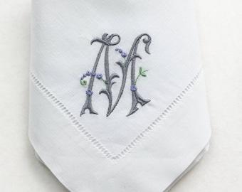 Monogrammed Napkins / Cloth Napkins / Dinner Napkins / Linen Napkins / Table Linens / Personalized napkins / Wedding Gift / Hostess Gift