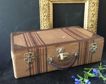 Vintage stackable hard side luggage suitcase Brown khaki 1940s50s from MilkweedVintageHome