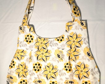 SPRINGTIME is a lightweight fabric purse perfect to brighten your day