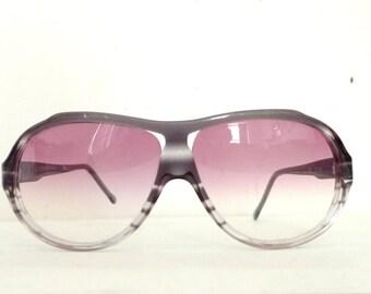 Big Designer Gradient Aviator Sunglasses / Grey Flannel Stripe / NonRx / Props / Fashion / Men / Women / Nonprescription Eyeglass Frames