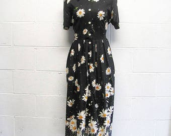 Vintage 80s/90s DAISY Crazy Maxi Dress Floral Dress / Pleated Dress / Womens Daisy Dress / Daisies / Black and white / Polka Dot Long Dress