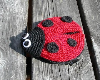 Ladybug coin purse PDF crochet pattern